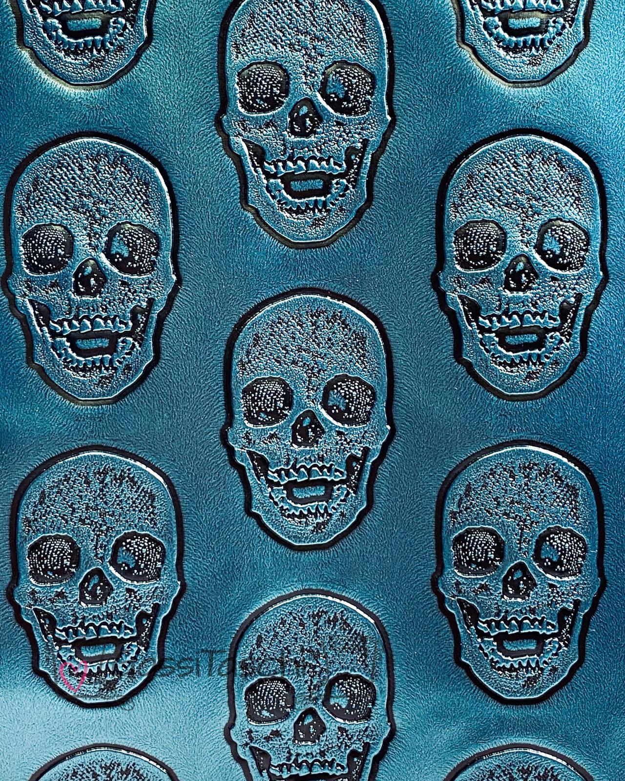019B-082-Totenkopf-blau-metallic