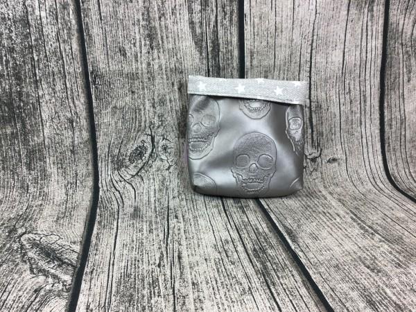 Mini Futterbeutel Kaylo Skulls silber - Sterne grau