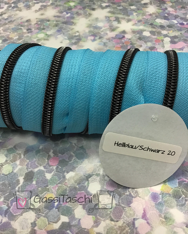 020-hellblau-schwrz