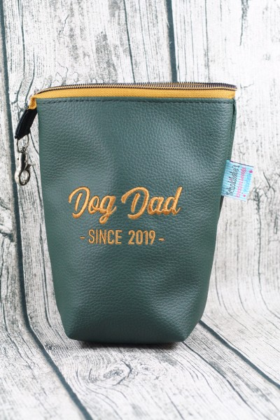 Gassi Taschi Dog Dad since 2019 gold - dunkelgrün