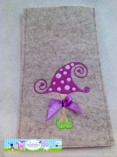 Filz Handyhülle lila Fliegenpilz auf hellgrau